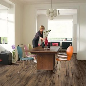 quick-step_eligna_reclaimed_chestnut_brown_lifestyle